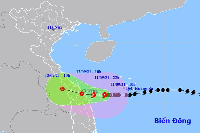 Sáng 12/9, bão số 5 đổ bộ đất liền các tỉnh Trung Trung Bộ