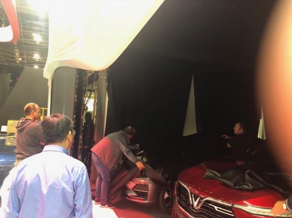 VinFast, Trực tiếp ra mắt xe VinFast, Ra mắt xe VinFast, Xe VinFast, Giá xe Vinfast, Phạm Nhật Vượng, David Beckham, Vingroup, Ra mắt VinFast, SUV VinFast, Sedan VinFast