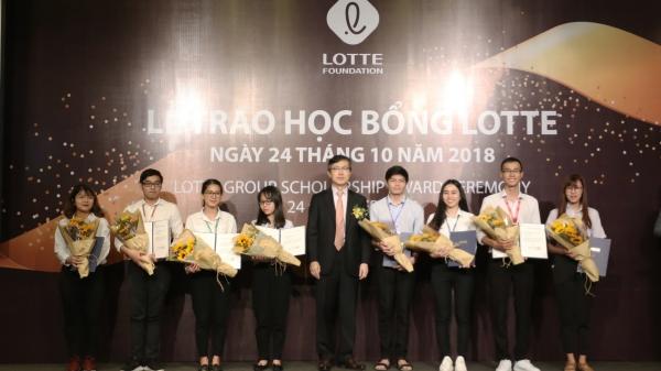 Quỹ LOTTE Foundation trao học bổng lần 2 năm 2018 cho sinh viên Việt Nam