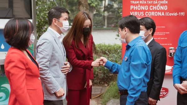 Ca sĩ Chi Pu làm Đại sứ Quỹ xây dựng 100 trạm rửa tay Lifebuoy miễn phí