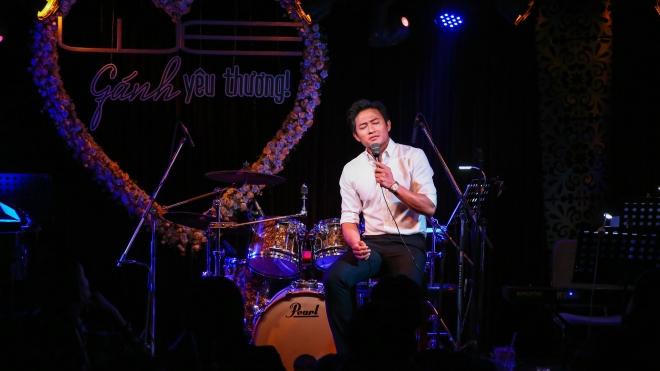NSƯT Vân Khánh, Quý Bình làm lay động khán giả trong đêm nhạc 'Gánh yêu thương'