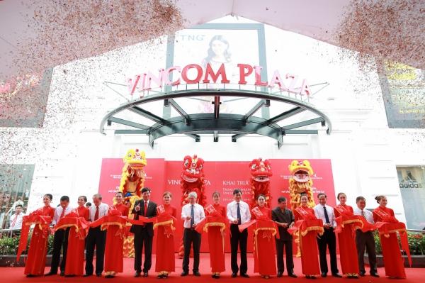 Hình ảnh: Vincom khai trương đồng loạt 03 TTTM tại Sơn La, Nghệ An và TP.HCM số 1