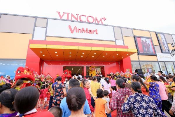 Hình ảnh: Vincom khai trương đồng loạt 03 TTTM tại Sơn La, Nghệ An và TP.HCM số 4