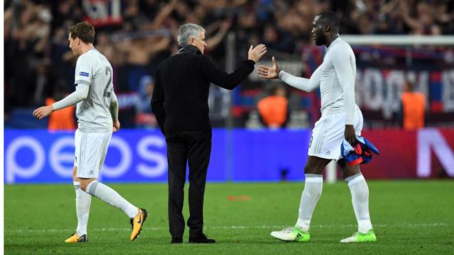 Jose Mourinho bị nghi ngờ 'bày trò' vụ Lukaku chấn thương