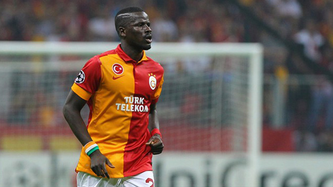 Arsenal im lặng, Galatasaray giang tay cứu giúp Eboue