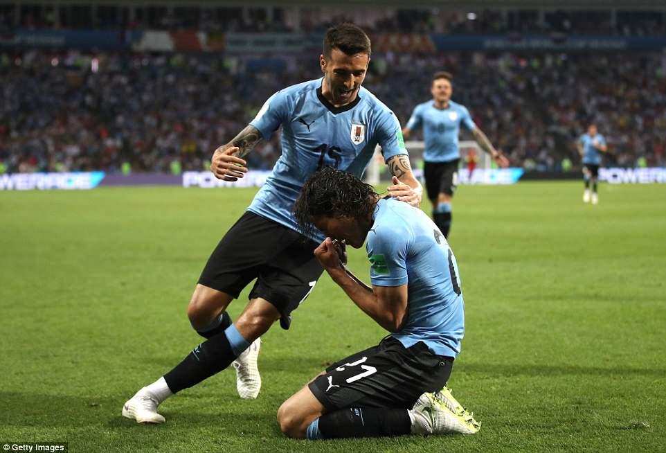 Video clip bàn thắng Uruguay 2-1 Bồ Đào Nha: Cavani che mờ Ronaldo