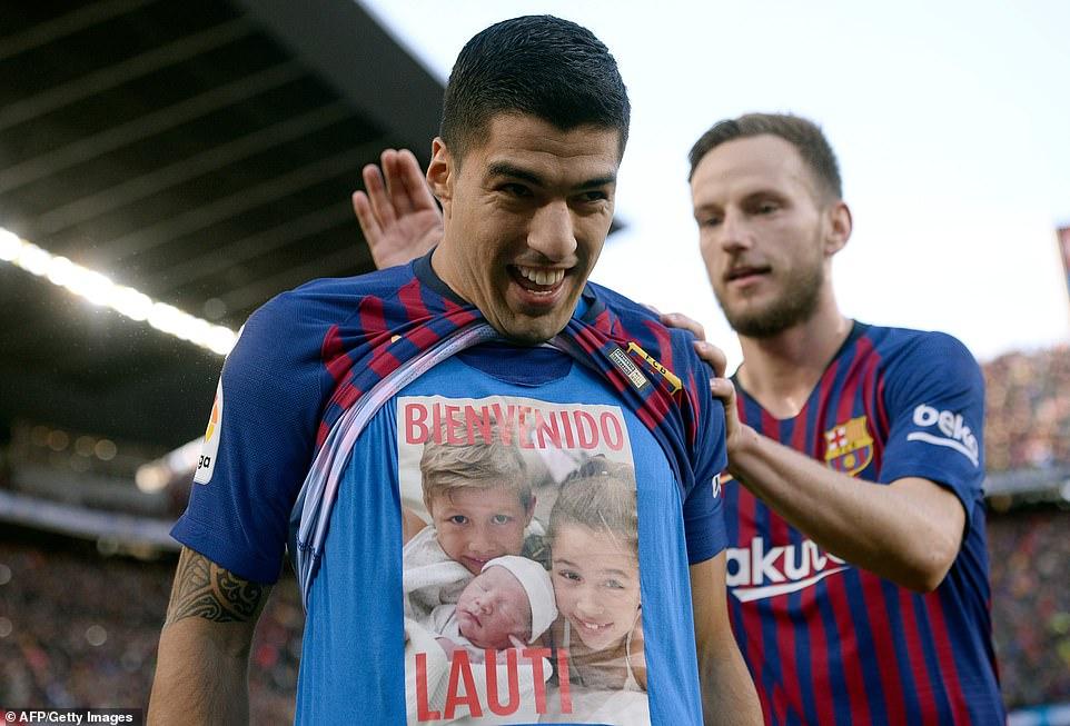 Video bàn thắng Barcelona 5-1 Real Madrid: Suarez nhấn chìm Real với một hat-trick