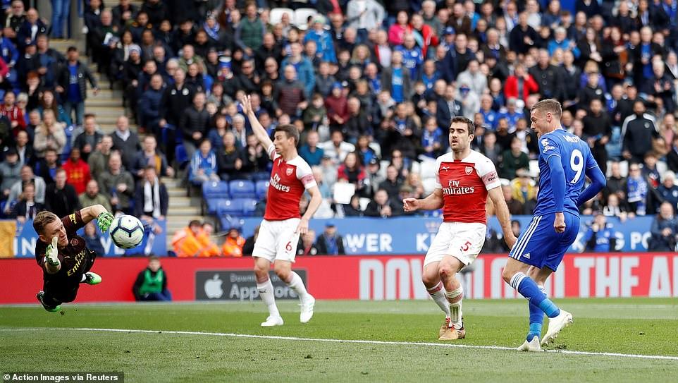 VIDEO bàn thắng Leicester 3-0 Arsenal: Vardy trừng phạt 'Pháo thủ'