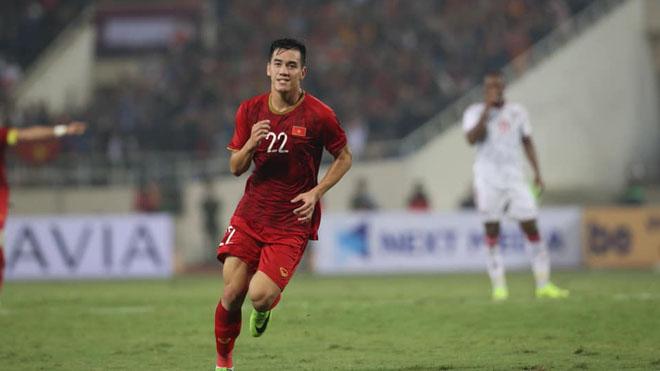 bảng xếp hạng vòng loại World Cup 2022, lịch thi đấu vòng loại World Cup 2022 Việt Nam Thái Lan, bảng xếp hạng bóng đá Việt Nam, Việt Nam 1-0 UAE, Tiến Linh, bóng đá