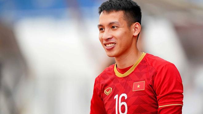 Đỗ Hùng Dũng giành Quả bóng Vàng Việt Nam 2019