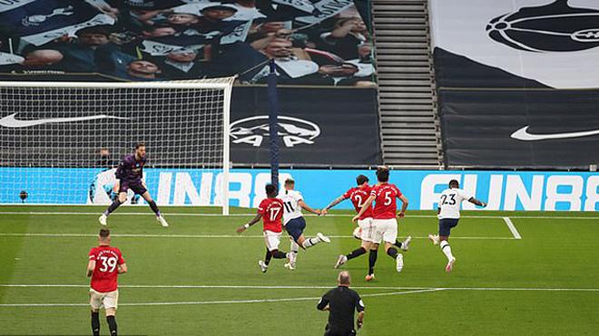 VIDEO bàn thắng Tottenham 1-1 MU: Sai lầm tệ hại của De Gea