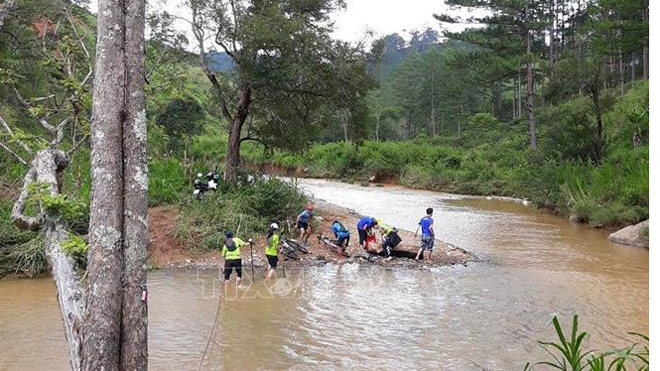 2 VĐV bị lũ cuốn trôi ở giải marathon quốc tế Ultra trail Dalat