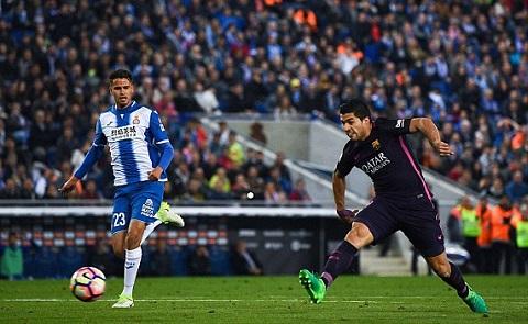 Luis Suarez mở tỷ số trận đấu
