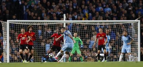Man City đã gây ra nhiều khó khăn cho Man United trong hiệp 2