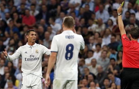 Ronaldo đã nhận 4 thẻ vàng ở La Liga mùa này