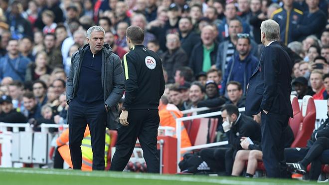 Man United thua, Mourinho mỉa mai Wenger, chọc tức CĐV Arsenal