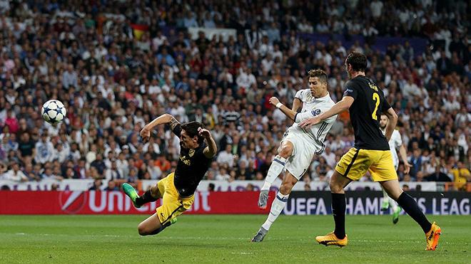Với Cristiano Ronaldo, 'đỏ thì chấp tất'
