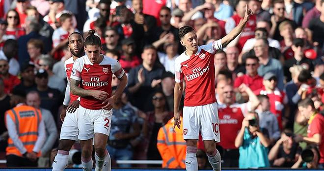 Video Arsenal 2-0 Watford: Nhọc nhằn giành chiến thắng