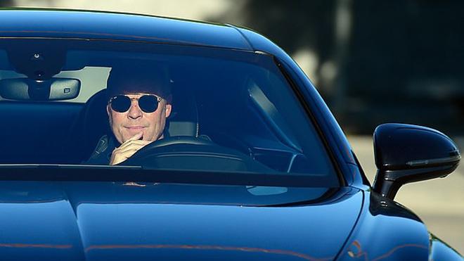 Barcelona: Messi gây sóng gió trong ngày làm việc đầu tiên của Koeman