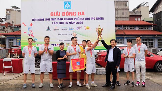 Đội bóng TTXVN vô địch tại Hội khỏe Hội Nhà báo Thành phố Hà Nội