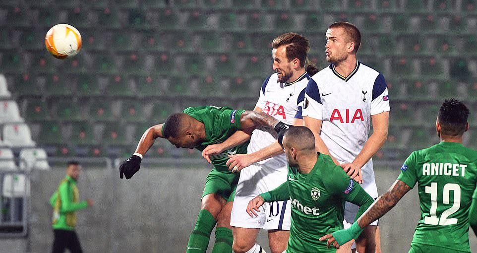 Các đại diện Premier League ở lượt trận 3 vòng bảng Europa League đều giành chiến thắng dễ dàng, trong khi đó, AC Milan dù đang có phong độ cao nhưng bất ngờ thảm bại trước Lille ngay trên sân nhà