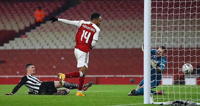 Ket qua bong da, Arsenal vs Newcastle, Video Arsenal Newcastle. Kết quả cúp FA, kết quả Arsenal vs Newcastle, Arsenal đấu với Newcastle, kết quả vòng 3 cúp FA, Aubameyang