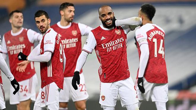 West Brom 0-4 Arsenal: Lacazette lập cú đúp, Arsenal khởi đầu năm mới tưng bừng