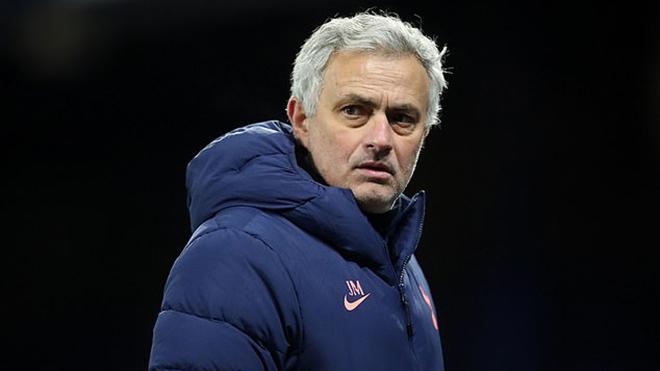 Mourinho lại mắng hàng thủ vì mắc nhiều sai lầm trước Everton