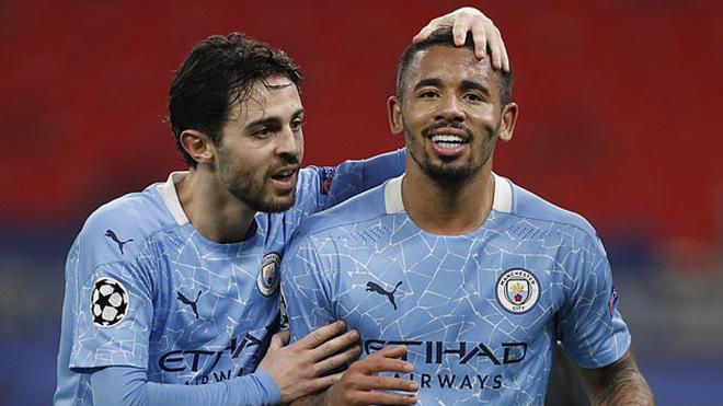 Gladbach 0-2 Man City: Bernardo Silva tỏa sáng, Man City thắng 19 trận liên tiếp