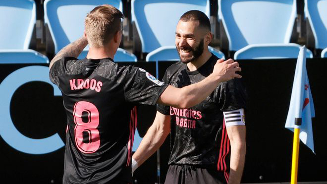 Celta Vigo 1-3 Real Madrid: Benzema tỏa sáng rực rỡ, Real Madrid tiến gần Atletico