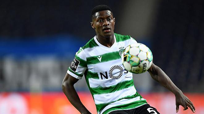 Tin bóng đá MU 6/4: Fernandes giục MU mua hậu vệ. Dortmund nhượng bộ vụ Sancho