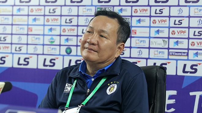 HLV Hoàng Văn Phúc: 'Hà Nội vẫn còn cơ hội vào TOP 6'