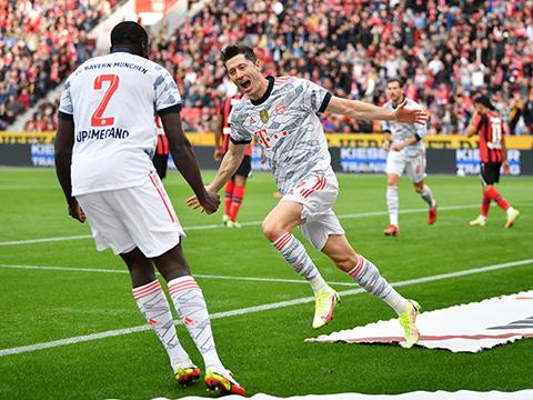 Leverkusen 1-5 Bayern: Lewandowski và Gnabry cùng lập cú đúp