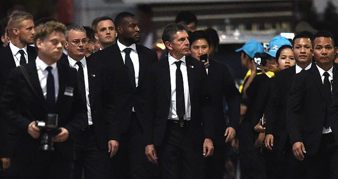 Cầu thủ Leicester tới Thái Lan dự lễ tang cố chủ tịch Vichai Srivaddhanaprabha