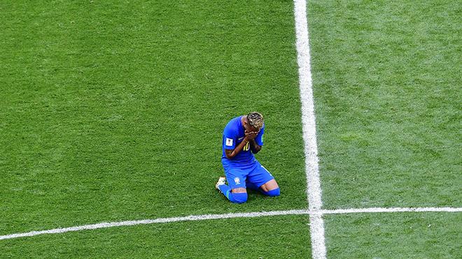 Đáng lo cho Brazil khi Neymar luôn muốn trở thành trung tâm