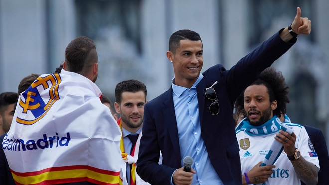 Ronaldo thông báo rời Real với các đồng đội vài tuần trước chung kết Champions League