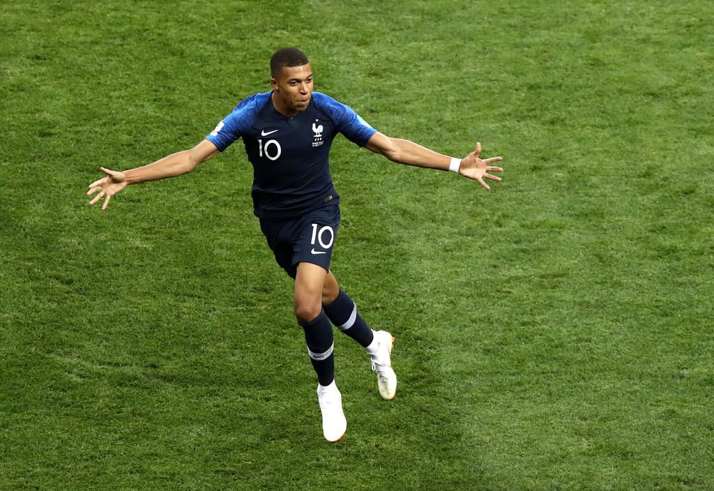 Kylian Mbappe đi vào lịch sử ĐT Pháp và World Cup