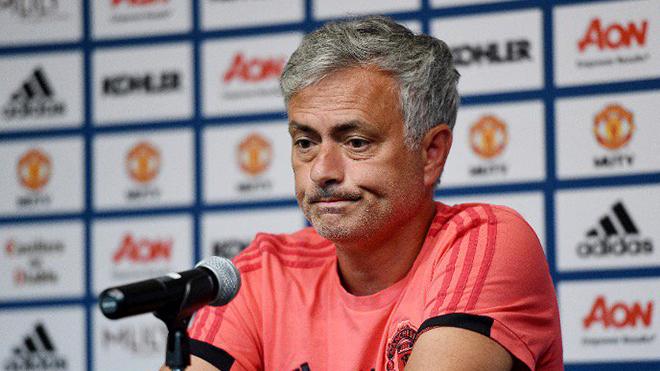 CẬP NHẬT tối 31/7: M.U sắp đón tân binh. Juve cho Milan mượn Higuain, 'sẽ trả giá vì Ronaldo'