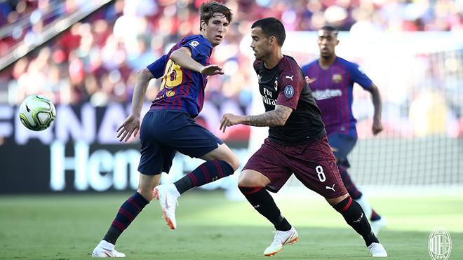 Video clip highlights bàn thắng AC Milan 1-0 Barcelona: Andre Silva toả sáng phút bù giờ