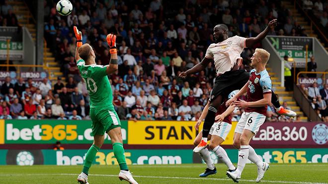 Burnley 0-2 M.U: Lukaku lập cú đúp, M.U tìm lại chiến thắng!