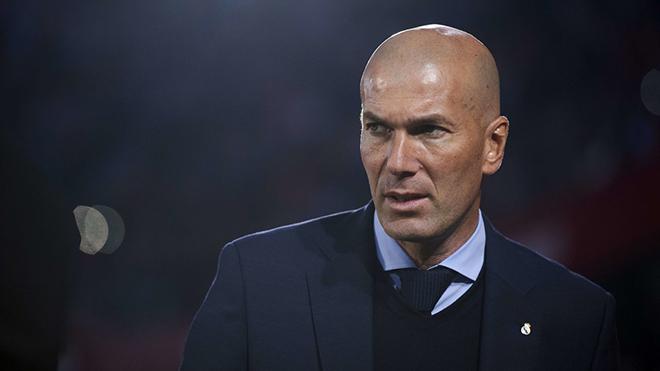 Zidane đang có mặt ở London, CĐV M.U muốn ông thay thế Mourinho ngay lập tức