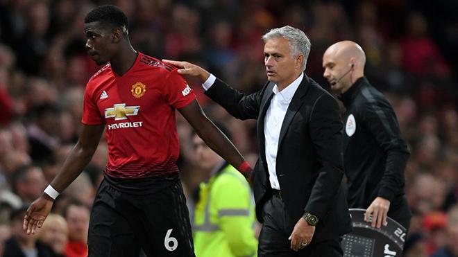 Lộ clip Paul Pogba thách thức Jose Mourinho trên sân tập