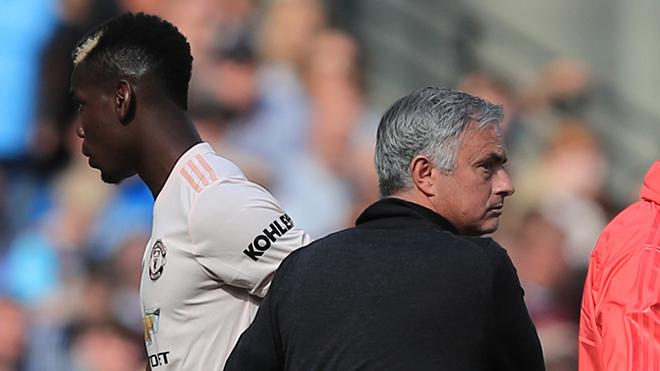 BLĐ M.U: Pogba là 'bất khả xâm phạm' như Messi, Mourinho không được phép động đến