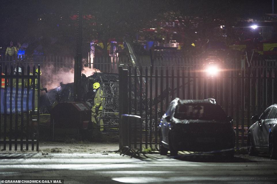 Trực thăng phát nổ, tính mạng chủ tịch Leicester, tai nạn kinh hoàng, sự cố trực thăng, King Power, Leicester vs West Ham, Vichai, tỷ phú Thái Lan