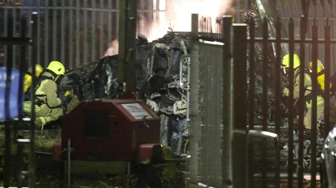 VIDEO: Khoảnh khắc trực thăng chở Chủ tịch CLB Leicester bay lên và gặp nạn