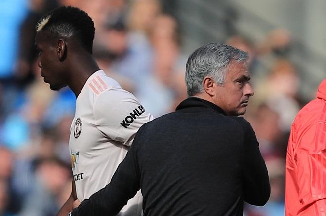 Roy Keane: Các cầu thủ M.U hay khóc nhè. Mourinho có đáng bị sa thải?