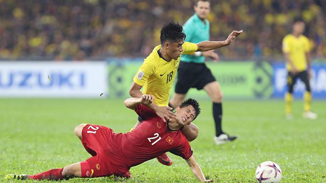 Đình Trọng chấn thương nặng, lỡ hẹn với Asian Cup, phải sang Hàn Quốc phẫu thuật gấp