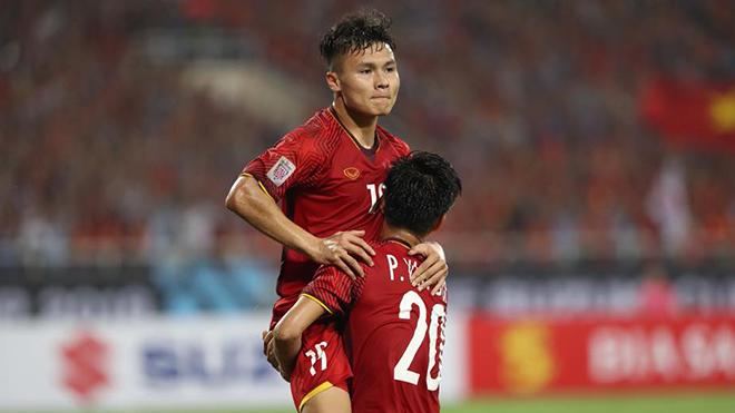Việt Nam vào chung kết, CĐV vỡ òa với 'chu kì 10 năm' ở AFF Cup
