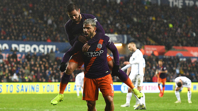VIDEO Swansea 2-3 Man City: Aguero tỏa sáng, Man Xanh ngược dòng ngoạn mục