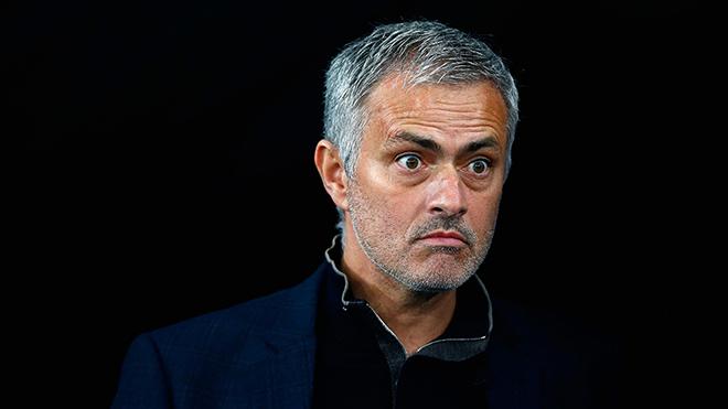 Jose Mourinho bất ngờ lấy Leo Messi để chỉ trích MU
